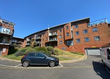 Thumbnail 2 bed flat to rent in Park View Road, Hove, East Sussex