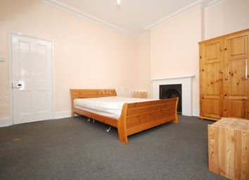 Thumbnail 5 bed terraced house to rent in Solway Road, London