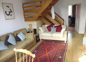 Thumbnail 4 bed flat to rent in Fenner Square, Clapham Junction SW11, Clapham Junction,