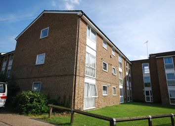 Thumbnail 2 bedroom flat to rent in Eskdale, London Colney
