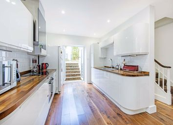 4 bed property to rent in Sidney Road, London SW9