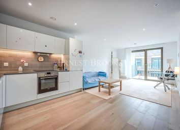 Pendant Court, Royal Wharf, Royal Victoria Docks E16. 1 bed flat