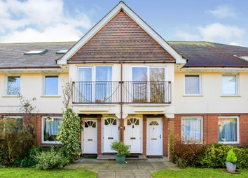 Thumbnail 2 bed flat for sale in Parklands, Chiltern Avenue, Bushey