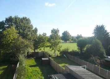 Thumbnail Room to rent in East Towers, Pinner