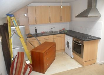 Thumbnail 1 bed flat to rent in Waylen Street, Reading