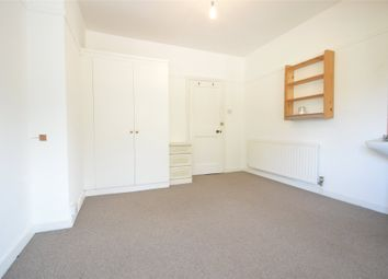 Thumbnail 1 bedroom flat to rent in Pinkneys Road, Maidenhead, Berkshire