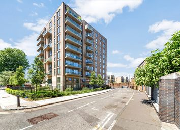 Thumbnail 1 bed flat for sale in Watermark, Bootmakers Court, Limehouse