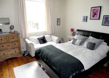 Thumbnail 1 bed flat to rent in Alexandra Road, Clifton, Bristol