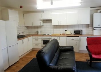 Thumbnail 5 bed flat to rent in Flat 3 17 Clifton Avenue, Fallowfield
