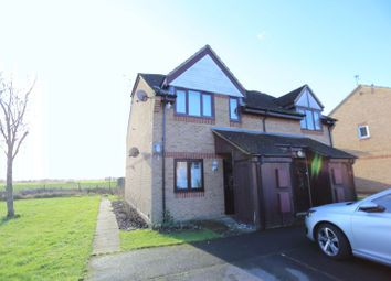 Thumbnail 1 bedroom maisonette for sale in Blackwater Close, Spencers Wood, Reading