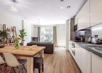 Yeoman Street, London SE8. 2 bed flat