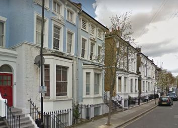 Thumbnail 2 bed flat to rent in Kingsdown Road, Upper Holloway