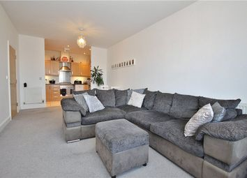 Sundeala Close, Sunbury-On-Thames TW16. 2 bed flat for sale