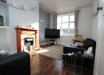 2 bed maisonette for sale in New North Road, Ilford IG6