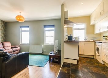 1 bed flat to rent in Hartfield Crescent, Wimbledon SW19