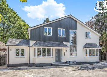 Thumbnail 2 bedroom flat for sale in Pinewood Avenue, Crowthorne, Berkshire