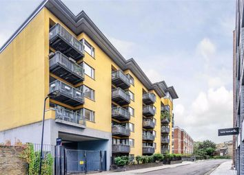 Thumbnail 3 bed flat to rent in Cremer Street, London