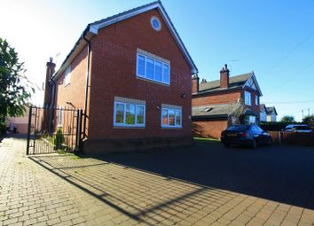Thumbnail 5 bed detached house to rent in Halstead Road, Colchester