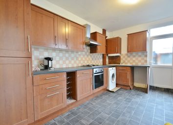 3 bed maisonette to rent in Cannon Hill, Southgate N14
