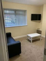 3 bed terraced house to rent in Middleton Street, St Thomas, Swansea. SA1