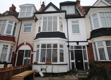 Thumbnail 1 bed flat to rent in Oakleigh Park Drive, Leigh-On-Sea