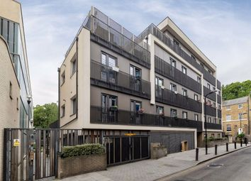 Thumbnail 1 bed flat for sale in Spurstowe Terrace, London