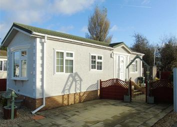 Thumbnail 1 bed mobile/park home for sale in Little Paddock, Kinmel Bay, Conwy