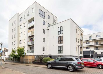Thumbnail 2 bed flat to rent in Papermill Place, London
