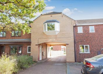 Thumbnail 2 bed property to rent in Kingfisher Close, Worcester