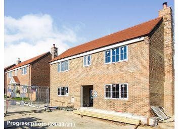 57c Dawson Drive, Hextable, Swanley BR8. 3 bed detached house for sale