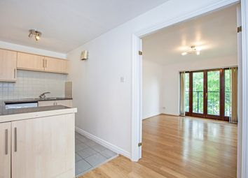 Thumbnail 2 bedroom flat to rent in Ludlow Road, Maidenhead