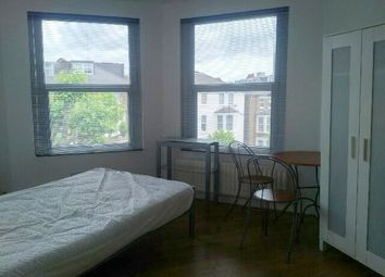 Thumbnail Studio to rent in 76 Fordwych Road, London