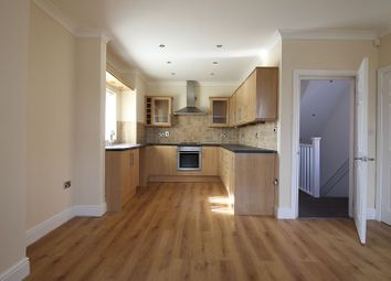 Thumbnail 2 bed flat to rent in Flat C, 46 Marshland Road, Moorends