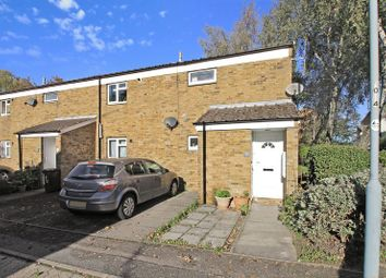 Thumbnail 3 bed flat for sale in Spear Close, Luton