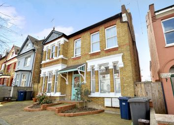 Thumbnail 3 bed flat for sale in Elm Park Road, Finchley Central