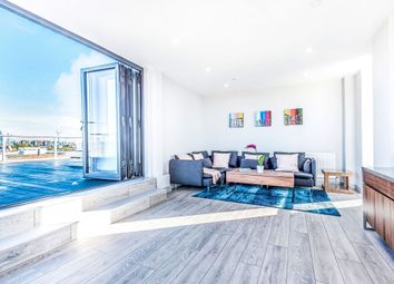 Thumbnail Flat for sale in Bethwin Road, London