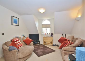 Thumbnail 2 bed flat to rent in Sydenham Rd, Guildford, Surrey