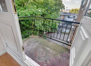 Thumbnail 1 bedroom flat to rent in Ruthin Close, Luton