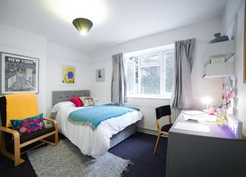 Thumbnail 3 bedroom flat to rent in Clandon Gardens, London