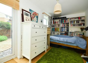 Thumbnail 3 bed property to rent in Barnfield Place, Isle Of Dogs