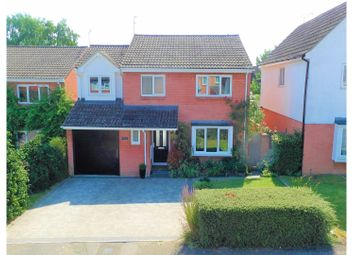 Thumbnail 4 bedroom detached house for sale in Phoenix Close, Wokingham