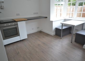 Thumbnail 1 bed flat to rent in New Road, Croxley Green, Rickmansworth