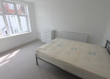 Thumbnail 4 bed flat to rent in Warwick Road, Kenilworth