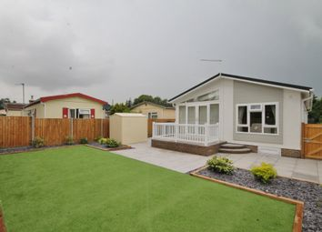 Thumbnail 2 bed mobile/park home for sale in Whitton Farm Park, Way Lane, Waterbeach
