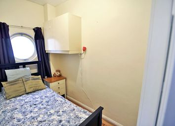 Thumbnail Room to rent in Agnes House, Henry Dickens Court, St. Anns Road, Holland Park, London