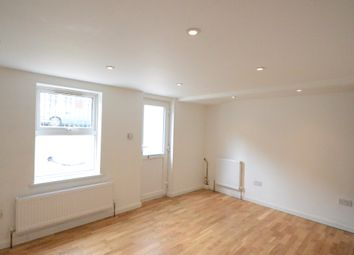 Thumbnail 2 bed flat to rent in Waylen Street, Reading