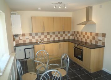 2 bed flat to rent in Lilac Grove, Beeston NG9