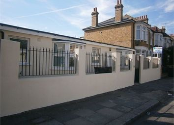 1 bed bungalow to rent in Engleheart Road, Catford, London SE6