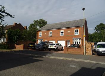 Thumbnail 4 bed town house to rent in Spring Road, Kempston