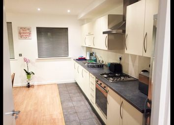 Thumbnail 1 bed flat to rent in Cubix Apartment, London